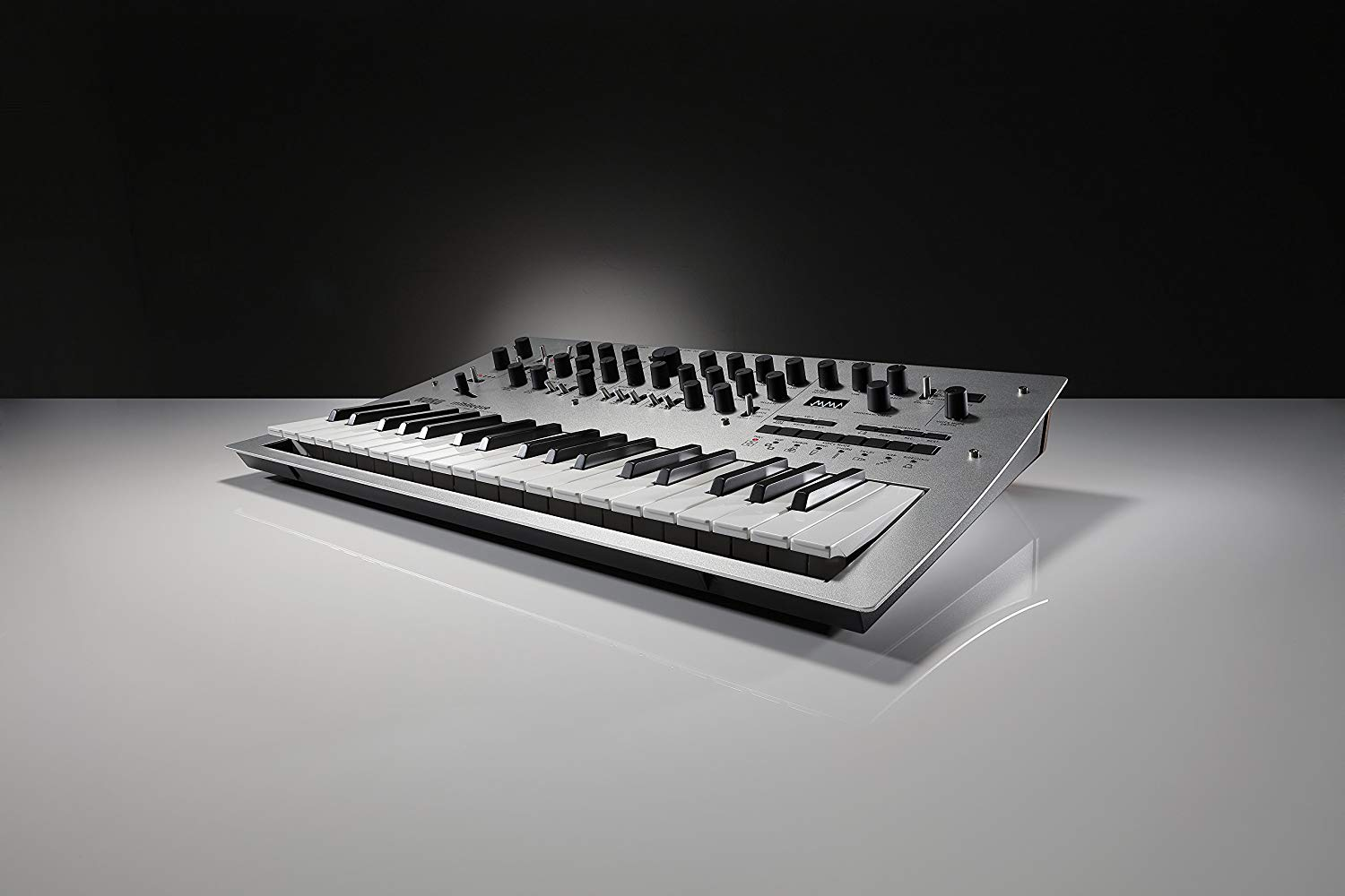 Best Synthesizer Keyboard [REVIEW] Top Digital Piano Synths